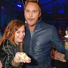 Chris Pratt and Amy Poehler had a Parks and Rec reunion at MTV Movie Awards http://shot.ht/1XpVNln @EW
