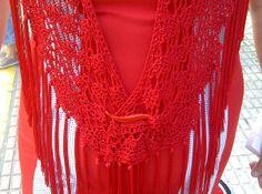 small shawl / mantoncillo