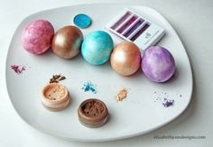 5 cool ways to decorate Easter Eggs