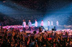 Bts on stage Namjoon, Seokjin, Hoseok, Taehyung, Yoonmin, Bts Suga, Bts Bangtan Boy, Bts 2017, Bts Wings Tour