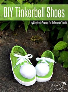 Does a little person in your life just love Tinkerbell? Do YOU just love Tinkerbell? These easy DIY Tinkerbell shoes are perfect for a Tinkerbell costume, or for a day of walking around your favorite Disney park. DIY Tinkerbell Shoe Supplies: white canvas shoes green dye (I used Rit Kelly...