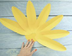 Giant Gerbera Daisy Paper Flower Template and Tutorial, Larg.-Giant Gerbera Daisy Paper Flower Template and Tutorial, Large Paper Daisy, Paper Flower Printable PDF Templates Giant Gerbera Daisy Paper Flower Template and Tutorial Large - Easy Paper Flowers, Paper Flower Tutorial, Paper Flower Backdrop, Giant Paper Flowers, Large Flowers, Paper Daisy, Flower Template, Flower Petals, Origami