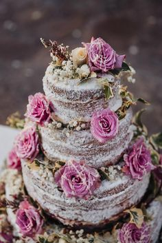 Gorgeous Naked Cake for wedding in Positano - photo by Sergey Lapkovsky