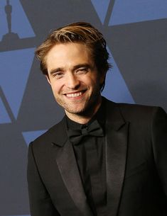 Robert Pattinson attends the Academy Of Motion Picture Arts And Sciences' Annual Governors Awards, October 27 King Robert, Robert Douglas, Celebrity Travel, Celebrity Photos, Hot Actors, Actors & Actresses, Twilight Scenes, Robert Pattinson Movies, Twilight Edward