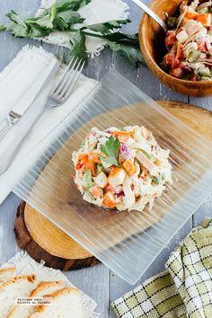 Ensalada de pollo y surimi. Receta con fotografías del paso a paso y recomendaciones de degustación. Recetas de ensaladas, recetas saludables