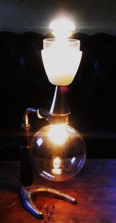 2 types d'éclairages différent pour la chimiste