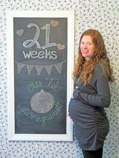 Loughs in Love: 21 Weeks Pregnancy Chalkboard Tracker
