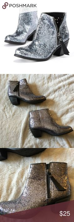 Vera Wang ankle glitter boots Worn once in perfect condition expect the zipper on the left boot came off the track and could easily be repaired, I just don't have the time, price reflects this. Vera Wang Shoes Ankle Boots & Booties