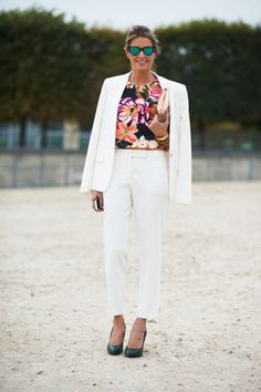 Terninho branco e estampa floral