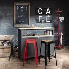 Traditional and country style furniture and decorations | Maisons du Monde