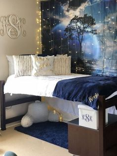 41 cute dorm room ideas that you need to copy right now 39 ⋆ kompastv.me - 41 cute dorm room ideas that you need to copy right now 39 ⋆ kompastv. Cool Dorm Rooms, College Dorm Rooms, College Room Decor, Dorm Room Designs, Blue Rooms, Blue Room Decor, Decorate Your Room, Dream Rooms, My New Room