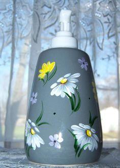 Daisy Soap Dispenser by BonnysBoutique on Etsy, $10.00