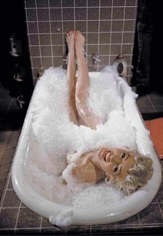 The Marilyn Monroe deleted bathtub scene from 'The Seven Year Itch' 1954