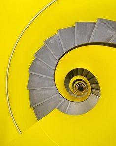 les 102 meilleures images de architecture escaliers. Black Bedroom Furniture Sets. Home Design Ideas