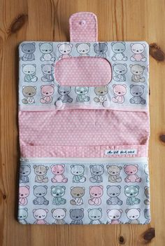 Sewing For Kids, Baby Sewing, Diy For Kids, Sewing Hacks, Sewing Tutorials, Sewing Projects, Nappy Wallet, Diaper Bag Organization, Diy Makeup Bag