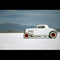 1932 Ford Hot Rod Coupe Sitting On The Bonneville Salt Flats Hot rods cars Rat Rods, Pick Up, Traditional Hot Rod, Old Trucks, Hot Cars, Custom Cars, Hot Wheels, Muscle Cars, Vintage Cars