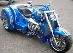 Blue and Silver Boss Hoss Trike American Motorcycles, Cool Motorcycles, Sportster Motorcycle, Boss Hoss, Harley Davidson Trike, Custom Trikes, Motorcycle Manufacturers, Mens Toys, 3rd Wheel