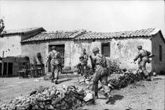 Unternehmen Merkur (Operation Mercury) / The Battle of Crete Dates: 20 JUN 1941 This month I am purely indulging myself. Luftwaffe, Paratrooper, Narvik, Battle Of Crete, Tank Destroyer, Old Maps, North Africa, Military History, World War Two