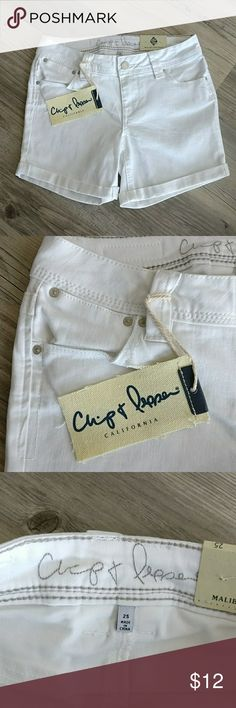 Chip & Pepper White Mid Rise Shorts NWT Chip & Pepper White Mid Rise Shorts NWT Color: White  Material: see tag photo  Size: 25 Zipper and Button closure Chip & Pepper  Shorts