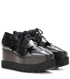 Stella McCartney - Elyse Star platform derby shoes - A firm favourite from the… Stella Mccartney Platform, Stella Mccartney Shoes, Black Platform, Platform Shoes, Gucci Fur Loafers, Most Popular Shoes, Star Shoes, Derby Shoes, Black Star