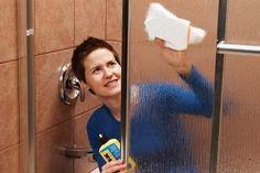 Pulire il box doccia