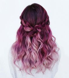 Amazing Purple Ombre Hair Ideas a few years ago, if you thought purple hair … - Hair Women Beauty Magenta Hair Colors, Color Red, Pink Purple Hair, Ombre Colour, Ombre Purple Hair, Red Ombre, Short Ombre, Yellow Hair, Violet Ombre