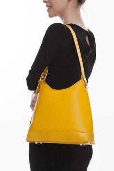 The Tara shoulder bag is a love-forever modern classic. Designer Leather Handbags, Ladies Handbags, Italian Leather, Irish, Shoulder Strap, Fashion Accessories, Lady, Handmade, Collection