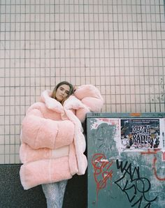 Yes please   big coats   streetstyle   fashion   outfit   pink    @lulusxo