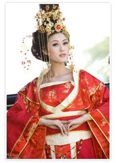 traditional-chinese-wedding-dress