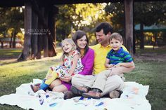 Family photography ideas, family of four, what to wear, bright colors, Trinity park Fort Worth, boy and girl twins, great outfits, patchwork quilt, DFW Family Photographer
