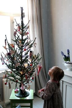 Niinan unelmia: Hyvää Joulua, God Jul, Merry X-mas!  - I just love everything about about the pictures on this post.