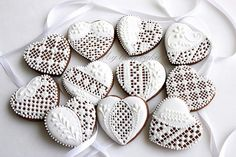 Beautiful White Heart Lace Cookies #Valentinesday #cookies #baking #wedding #party #desserts