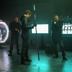 Eobard, Mick, and Leonard bts. Dom is eating xD, Eobard is just standing there, and Michael is stroking a pose xD Legends Of Tommorow, Dc Legends Of Tomorrow, Eobard Thawne, Leonard Snart, Reverse Flash, Chicago, Wentworth Miller, Prison Break, Best Series