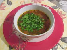 Суп МИНЕСТРОНЕ классический (лук,лук порей,морковь,сельдерей,зеленый горошек,чеснок+томатный соус и белая фасоль)