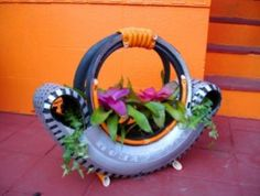 tire gardening ideas pictures | recycling ideas: pots of flowers from tires - crafts ideas - crafts ...