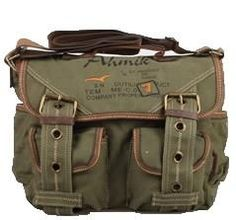 * Retro Style Canvas Messenger Bag for Man and Woman. * Interior zip, wall and cell phone pockets. * 5 Exterior pockets, 1 Zipper exterior back co Womens Messenger Bag, Canvas Messenger Bag, Vintage Bags, Vintage Outfits, Vintage Dress, Vintage Stuff, Divas, Skate, Military Fashion