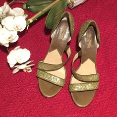 Michael Kors Sandals Green snake skin/ 4inches heels/ upper leather/ rubber sole/ size8 Michael Kors Shoes Heels