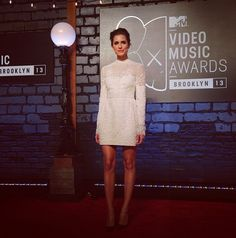 A Red Carpet pic from earlier tonight - how great did Allison Williams look at the #VMAs? #Instarazzi (Instagram: mtv)