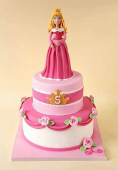 Sleeping Beauty cake - Jewel approved, minus the slightly scary aurora. Bolo Barbie, Barbie Cake, 4th Birthday Cakes, Barbie Birthday, Birthday Ideas, Pretty Cakes, Cute Cakes, Aurora Cake, Sleeping Beauty Cake