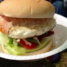 End of summer camp at Hiraodai.   Lunch menu: hamburgers with Pirisko Hot  30°C, beer iced!!! — at 平尾台 地の果て. #Hamburgers #Burgers