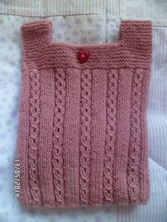 Chalecos Tejidos A Mano Para Bebe - $ 135,00 en MercadoLibre Knitted Baby Clothes, Baby Sweaters, Baby Knitting Patterns, Cami, Diy Crafts, Couture, Children, How To Make, Fashion