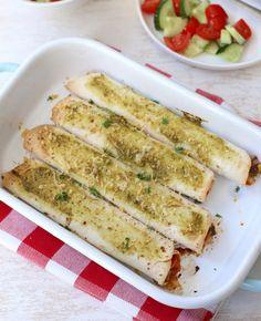 Gevulde wraps zijn altijd een goed idee. Sofie deelt vandaag het recept voor deze overheerlijke groentewraps met pesto. In een halfuur staan ze op tafel!