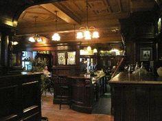 Poet's Corner Pub in Ennis - looks cozy :)