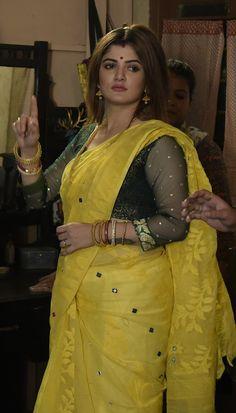 Beautiful Bollywood Actress, Most Beautiful Indian Actress, Arabian Beauty Women, Dehati Girl Photo, Beautiful Women Over 40, Beautiful Blonde Girl, Indian Actress Hot Pics, Saree Models, The Knot