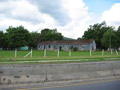 Viejas estructuras, Caguas, PR.
