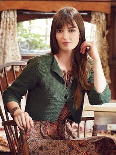 Jampa - Knit this cropped ladies cardigan with three quarter sleeves from the Softyak DK collection. Designed by Marie Wallin and worked in a moss stitch technique this pattern would be suitable for the less experienced knitter. Knitting Patterns Uk, Hand Knitting, Simple Knitting, Jumpers For Women, Cardigans For Women, Rowan Yarn, Knit Art, Quick Knits, Yarn Store
