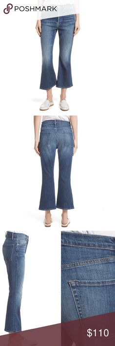 Frame Denim Le Crop Flare in Sunrise Park Currently retailing for $235 on Nordstrom's website! Super stylish! Button up fly. High rise. Denim offers stretch. Comment if you have any questions! More photos coming soon Frame Denim Jeans Ankle & Cropped
