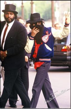 Michael and his bodyguard Marvin Butts in Paris, 1988 Bodyguard Services, Michael Jackson 1988, Speak Fluent English, Close Protection, King Of Music, King Of Hearts, Life Is Hard, A Good Man, Handsome