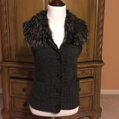 Loft Vest Charcoal gray vest,size XS,luxurious fake fur collar,body of vest 50% wool & 50% acrylic.body of vest fuzzy by nature,tag is ripped on one side (pic # 3). 5 buttons & 2 side pockets.Smoke free home,❌❌NO TRADES ❌❌ LOFT Sweaters
