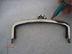 TUTORIAL MONEDERO CON BOQUILLA / TUTORIAL OF PURSE WITH METAL CLASP
